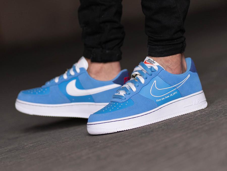 Nike Air Force One Swoosh 50th Anniversary bleu ciel on feet (3)