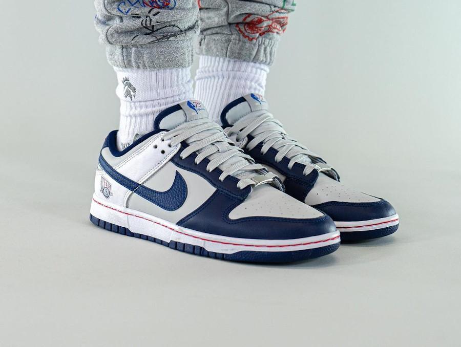 Nike Dunk Low 2021 blanche grise et bleu foncé (2)
