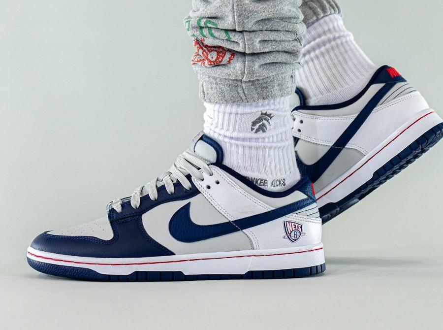 Nike Dunk Low 2021 blanche grise et bleu foncé (4)