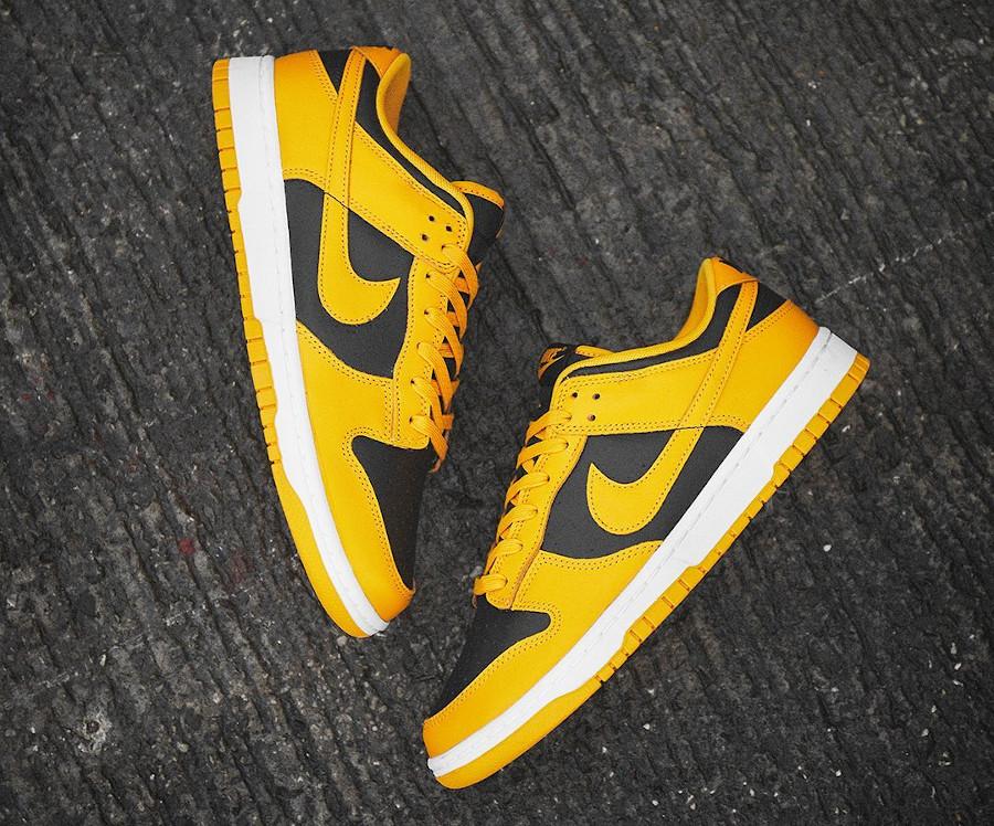 Nike Dunk Low 21 jaune et noire (1)
