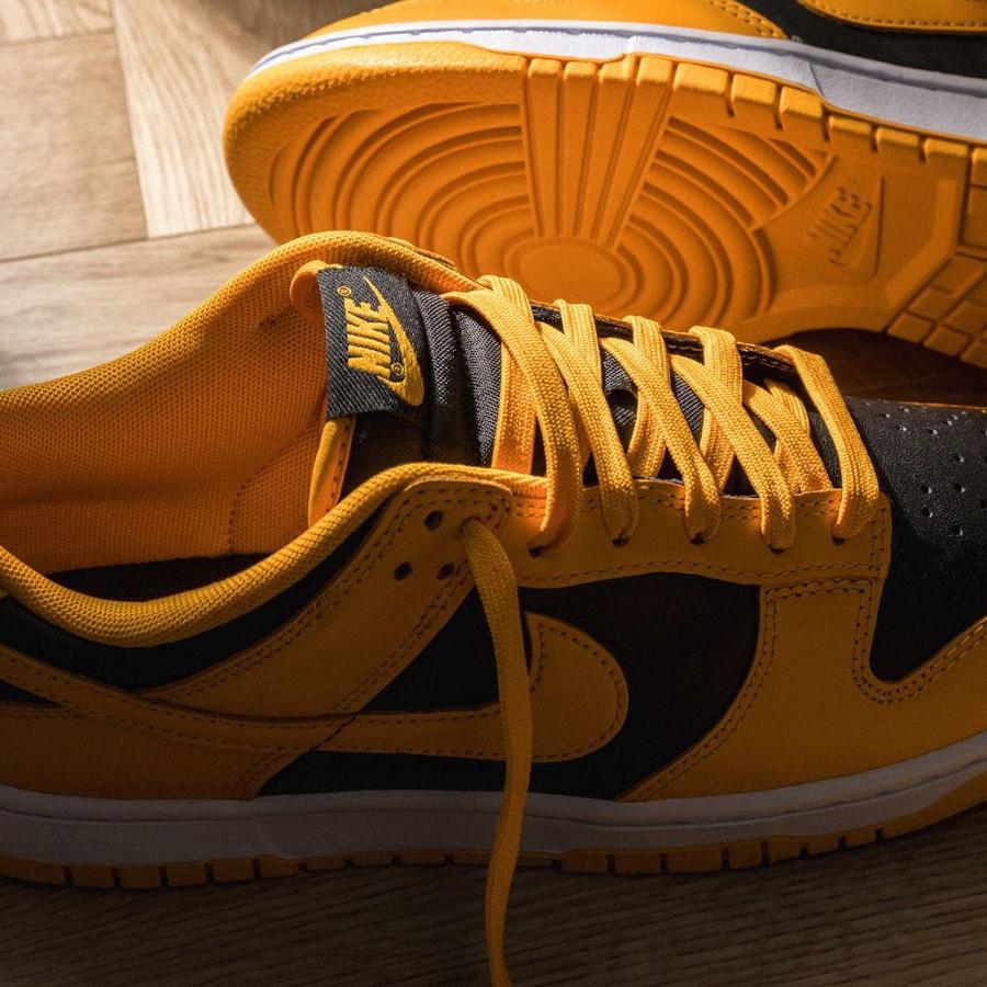 Nike Dunk Low 21 jaune et noire (2)