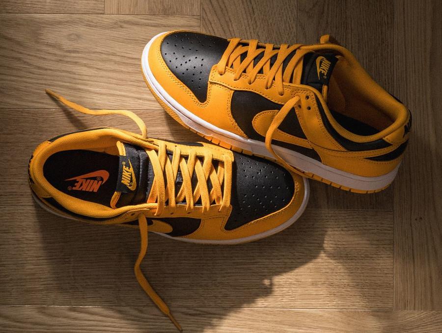 Nike Dunk Low 21 jaune et noire (4)