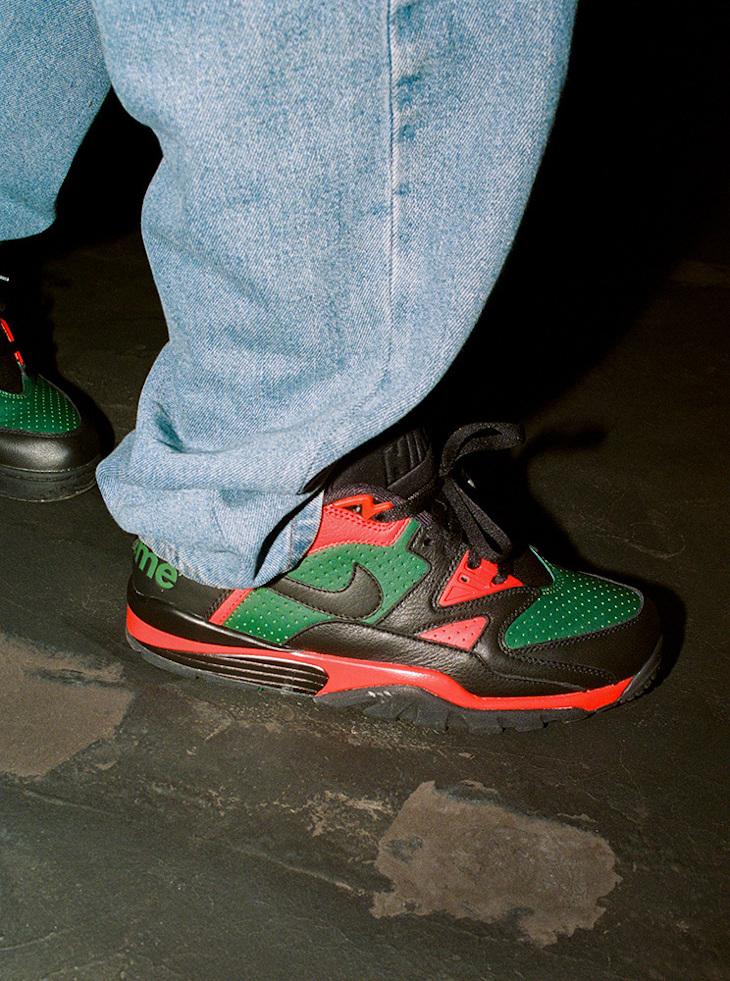 Sup x Nike Cross Trainer Low noire rouge et verte (3)